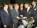 Gyáravató Győrben állami és gyárvezetők jelenlétében