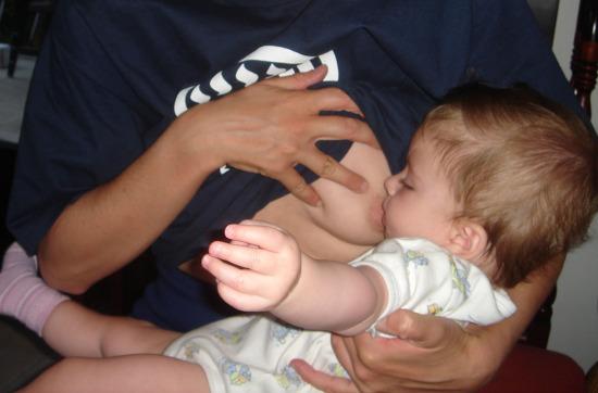 Csecsemő táplálása