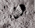 Emberi lábnyom a Hold felszínén