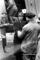 Háborús bűnös fogadása a Mátyásföldi repülőtéren