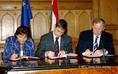 A koalíciós szerződés aláírása