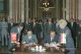 Hüsnü Dogan és Váncsa Jenő magyar-török mezőgazdasági együttműködési megállapodást ír alá