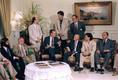 George Bush ellenzéki képviselőkkel találkozott 1989-ben