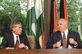 Horn Gyula és Helmut Kohl közös sajtótájékoztatót tartanak