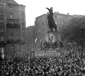 Tüntetők a Bem téren