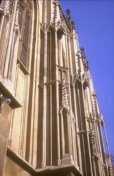A csütörtökhelyi plébániatemplom - a déli kápolna déli homlokzata