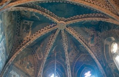 Az almakeréki plébániatemplom - szentély keresztboltozatának késő-gótikus kifestése