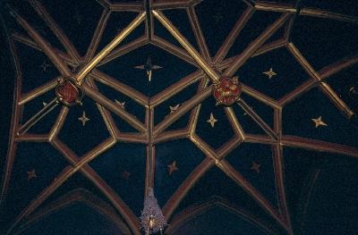 A pannonhalmai bencés főapátság - a Szent Benedek kápolna függőzáróköves, repülőbordás csillagboltozata