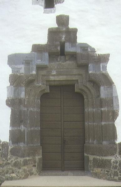 A gyöngyöspatai plébániatemplom templomkapuja