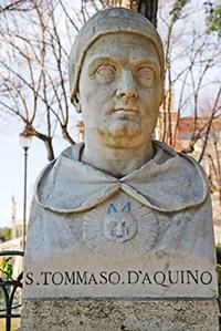 aquinoi-szent-tamas02-vertical