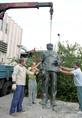 A Szakasits-emlékmű eltávolítása