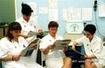 Sztrájkoló nővérek a nővérszobában a SOTE sebészetén