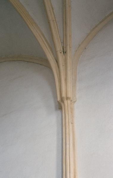 A marosvásárhelyi ferences kolostor szentélyének egyik falpillére
