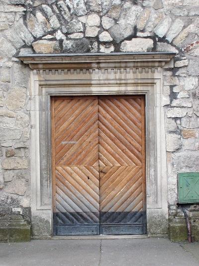 A kolozsvári ferences kolostor északi reneszánsz kapuzata
