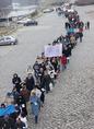 Tüntetés az iskolabezárások ellen Győrött