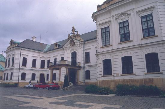 Veszprém, püspöki palota, homlokzat, Fellner Jakab, 1765-76.