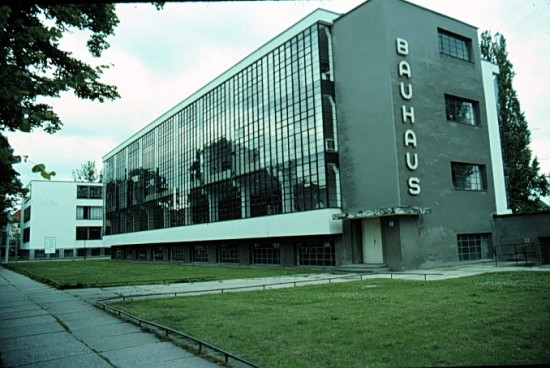 Walter Gropius: A dessaui Bauhaus épülete
