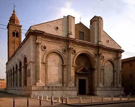 Tempio Malatestiano, homlokzat