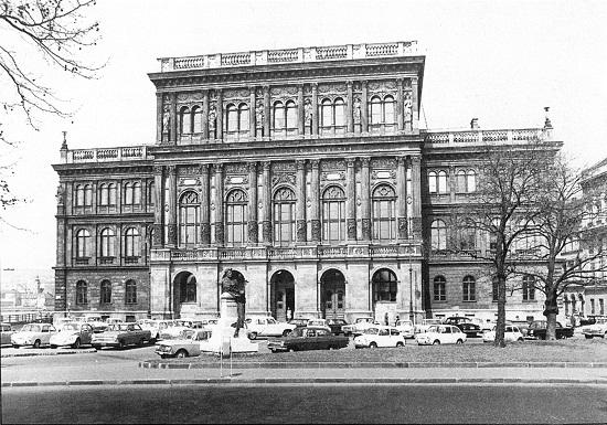 Magyar Tudományos Akadémia palotája