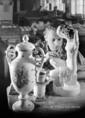 Ipari tanulók a Herendi Porcelángyárban