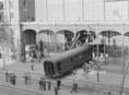 Egy tolató szerelvény áttörte a Nyugati pályaudvar homlokzati részét