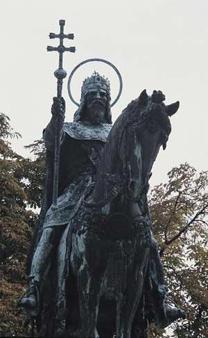 Szent István király szobra a budai várban