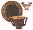 A tányérok, kelyhek és tálak sokféle formában és sokféle anyagból készültek