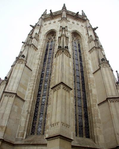 A kassai Szt. Erzsébet plébániatemplom szentélye