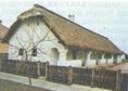 Falusi tornácos ház