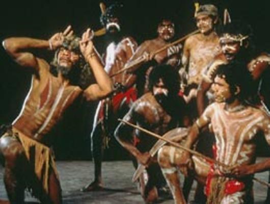 Ausztrál őslakosok rituális tánca
