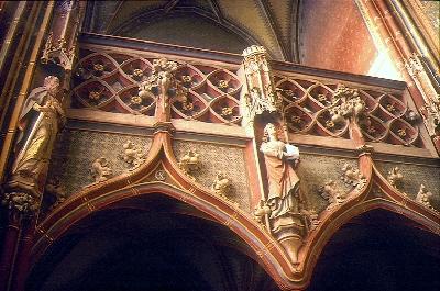 A csütörtökhelyi plébániatemplom - késő-gótikus mérműves nyugati karzat a déli kápolnában
