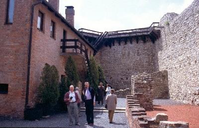 A márévári vár várudvara