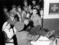 Menekültek - Görög gyerekek fogadása a Keleti pályaudvaron