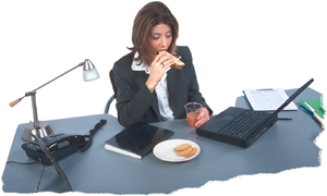 Munka közben is időt kell szakítani a pihenésre, a tízórai vagy az ebéd nyugodt körülmények közötti elfogyasztására