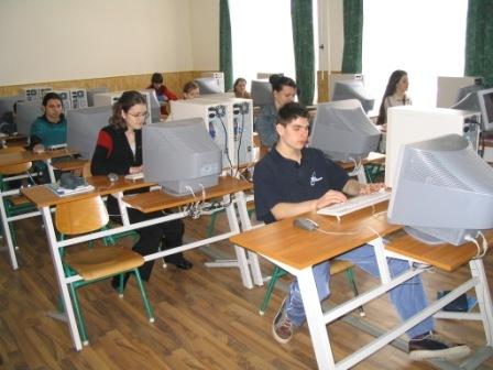 Számítógépes helyiség