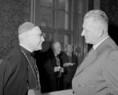 Opusz Pacis békeértekezletén Dr. Kovács Vince püspök és Dr. Pongrácz Kálmán VB-elnök beszélgetnek