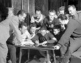 Szondy István olimpiai bajnok Békekölcsönt jegyez