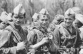 Duna '84 hadgyakorlaton pihenőt tartanak a szovjet katonák