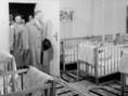 Dr. Münnich Ferenc miniszterelnök a fóti gyermekvárosban