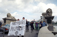 Demonstráció Horthy Miklós újratemetésének napján