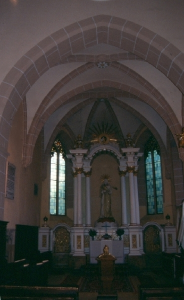 A szászrégeni plébániatemplom szentélye belülről