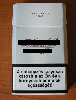 Cigarettás doboz dohányzás ellenes felirattal