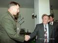 John J. Sheehan és Keleti György a NATO-parlament tavaszi ülésszakán Budapesten
