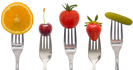 diet_concept,_snack_of_vegetables_and_fruits-wide