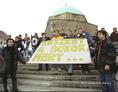 Pécsett tüntető egyetemisták
