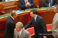 Medgyessy Péter miniszterelnök letette az esküt