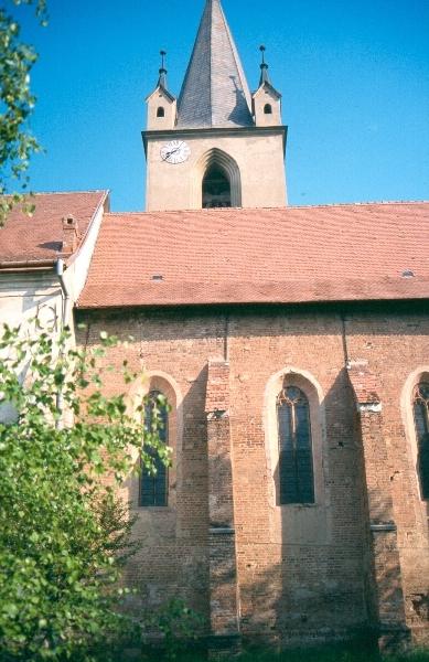 A marosvásárhelyi ferences kolostor szentélye dél felől