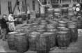 A készletek leltározása az Albus Szappangyárban 1948. márciusában, az államosításkor