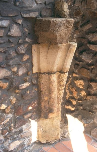 A hollókői vár - késő-gótikus boltozatindítás a palotaszárnyban
