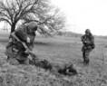 Munkásőrök karhatalmi harcászati gyakorlata diverzáns elfogására